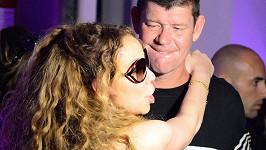 Snoubenci Mariah a James to rozjeli na Capri...