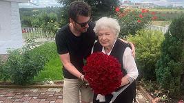 Leoš Mareš si maminku i babičku rád rozmazluje.