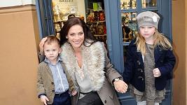 Andrea Verešová s dcerou Vanessou a synem Danielem.