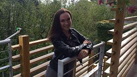 Kamila málem skončila na dlažbě nebo pod mostem