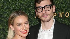 Hilary Duff se provdala za otce své dcery Matthewa Komu.