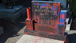 Takhle vypadá hrob dnes...