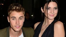 Spokojeností hýřící Kendall Jenner povečeřela s Justinem Bieberem a ještě s ním zašla na akci CR Fashion Book Issue N°5.