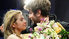Sabina Laurinová s kolegou Markem Němcem po natočení poslední scény
