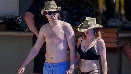 Frances Bean Cobain s přítelem Matthewem na Oahu