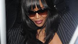Naomi Campbell tentokrát paparazzi potěšila...