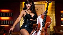 Heidi Janků v černé podprsence a malém korzetu. Jak se vám líbí?