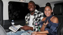 Usain Bolt a Kasi Bennett čekají dítě.