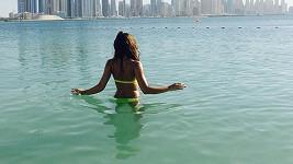 Inna Puhajková si protáhla pracovní pobyt v Dubaji, aby si i trochu zalenošila.