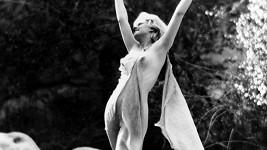 První sexbomba Hollywoodu Jean Harlow nebyla žádná stydlivka.