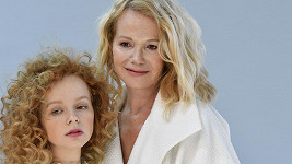 Jitka Asterová s dcerou si vyzkoušely modeling.