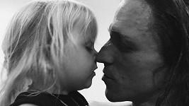 Tomáš Klus s dcerou