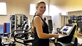 Lucie Borhyová poctivě spaluje kalorie
