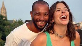 Ashley Graham a její manžel Justin Ervin budou rodiči.