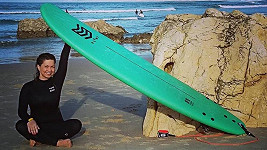 Surfing si zamilovala.