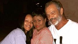 Rihanna navštívila rodiče na Barbadosu.