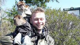 Jarek Šimek na setkání s opičkami v životě nezapomene.