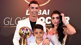 Cristiano Ronaldo se synem Cristianem a přítelkyní Georginou