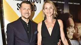 Juraj Loj a Zuzana Kanócz na premiéře filmu Šarlatán
