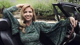 Z Jany se stala velmi elegantní dáma.