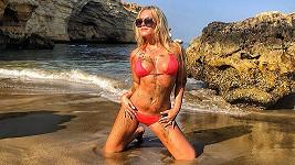Dominika Myslivcová vystavila své tělo v plavkách.