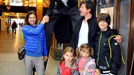 Hana Kynychová s rodinou