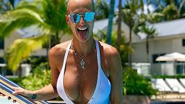 Zuzana Belohorcová opět vystavila své sexy křivky v plavkách.