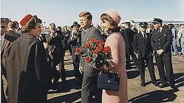 Osudným se mu stalo datum 22.listopadu 1963. Jako otec byl John vzorný, jako manžel nikoliv.