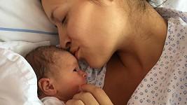 Nikola Zvěřinová s dcerou