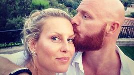 Simona s manželem si užívají na Azurovém pobřeží.