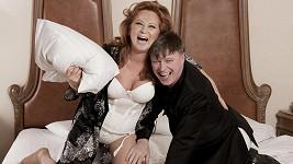 Simona Stašová a Michal Dlouhý v hlavní roli komedie Vím, že víš, že vím.