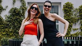 Hanka a Eva se před lety náhodu potkaly v Los Angeles na ulici.
