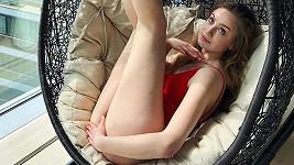 Herečka předvedla své dlouhé nohy.
