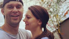 Moderátor Pavel Cejnar si vzal svou dlouholetou partnerku Veroniku.