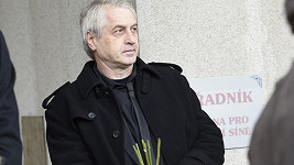 Josef Rychtář na pohřbu kontroverzního Ivana Jonáka