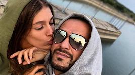 Jasmina Alagič a Rytmus si opět vyjadřují lásku přes sociální sítě.