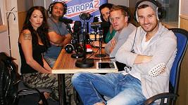 Agáta Hanychová a Jakub Prachař v pořadu Šedesátka