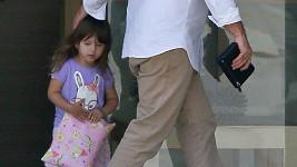 Mel Gibson a malá Lucia na nákupu.