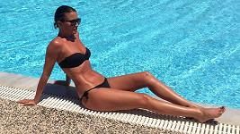Gabriela Partyšová sina nedávné dámské jízdě v Řecku užívala i lenošení u bazénu.