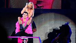 Joe Jonas si prý striptýz od Britney užil.