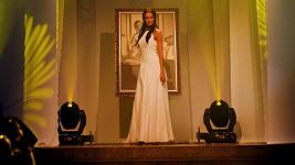 Eliška nedávno předváděla modely svého mentora Lopatiče v odsvěceném kostele Sacre Coueur.