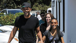 Usměvaví manželé Will Smith a Jada Pinkett.