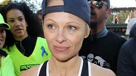 Pamela Anderson jako sportovkyně.