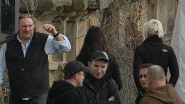 Gérard Depardieu při natáčení na Plzeňsku.