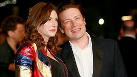 Jamie Oliver s manželkou Jools čekají pátého potomka.