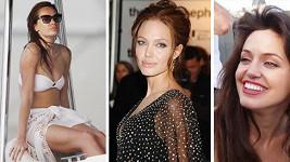 Zde je pravá Angelina pouze na jednom snímnku.