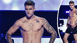 Justin Bieber se bučení postavil čelem...