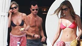 Jennifer Aniston tráví vánoční dovolenou v Mexiku se snoubencem Justinem Therouxem.