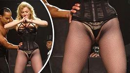 Madonna na pódiu předvede i to, co by nemusela.