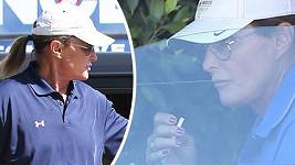 Bruce Jenner chce dosáhnout ženštějšího vzhledu delšími vlasy, zvětšenými rty i nalakovanými nehty.